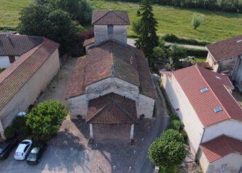 Vue aérienne de l'église de Villette-sur-Ain